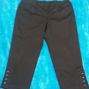 New Direction Black Capri Pants with Stud Accents